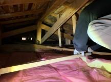 天井断熱材施工