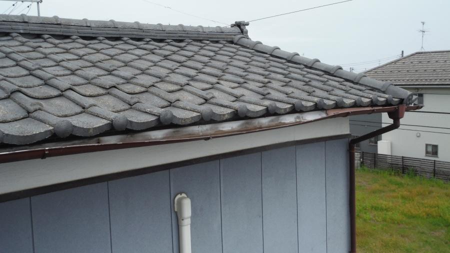 新潟市東区にて雪害によって瓦屋根のズレが発生した事故