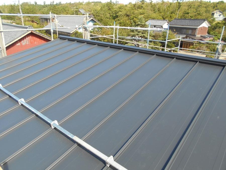 ガルバ二ウム鋼板屋根