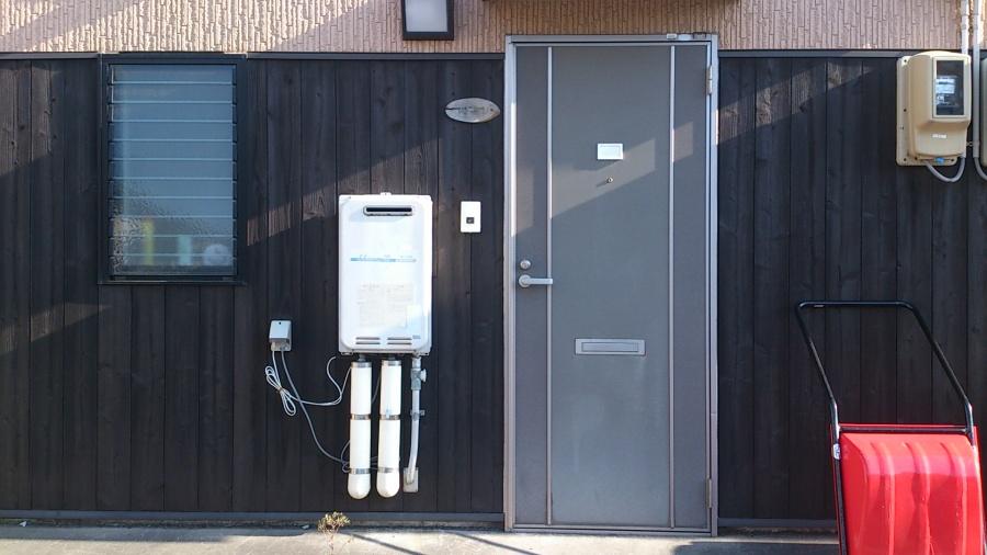 新潟市秋葉区にあるアパートの外壁木部を新築後初めてキシラデコールで塗装しました