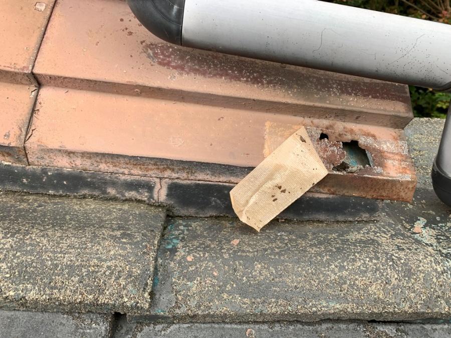 新潟市北区にて土居串板金に穴があき、雨漏れしたとご相談を頂きました