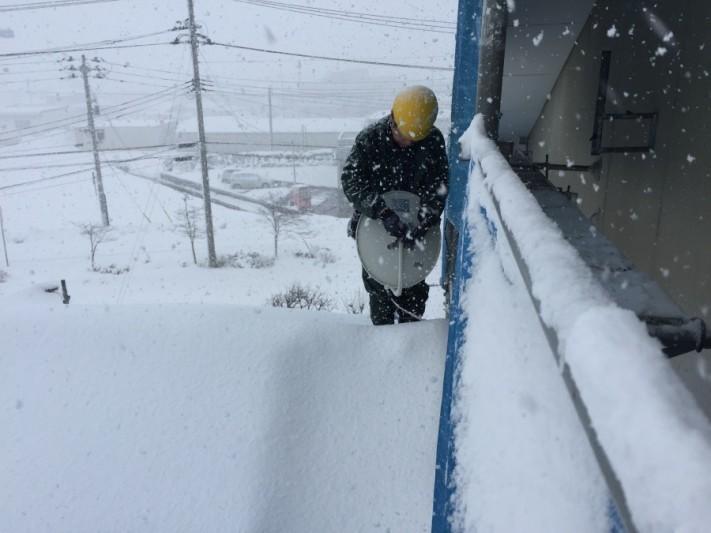 雪に強い屋根材とは