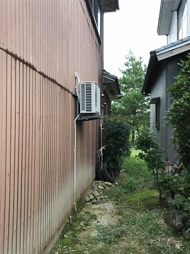 エアコン室外機 外壁張替