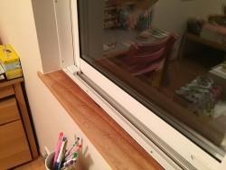 窓サッシ 結露 調査 雨漏り 染み