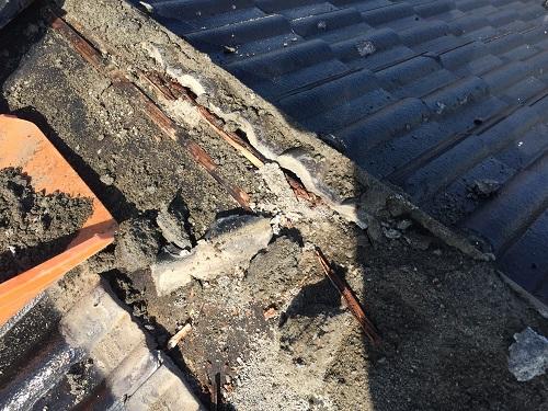 新潟市秋葉区 雨漏り 棟 瓦桟 腐る