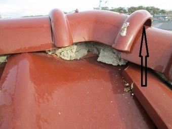棟瓦のセメントの劣化