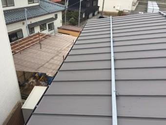 屋根 板金屋根 縦ハゼ 竪平 ガルバリウム鋼板
