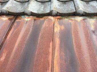 雨樋交換、屋根の様子