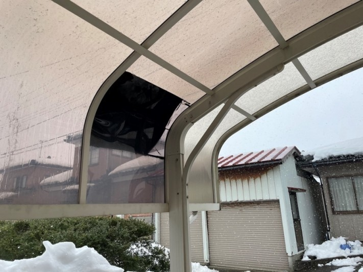 カーポート屋根破損