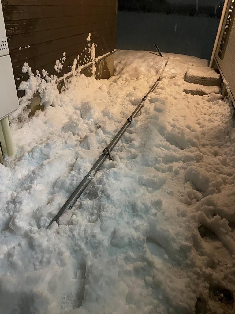 雪止めアングル外れ 応急処置