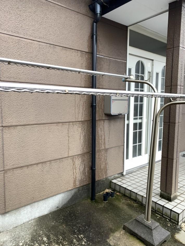 風害によって雨樋破損