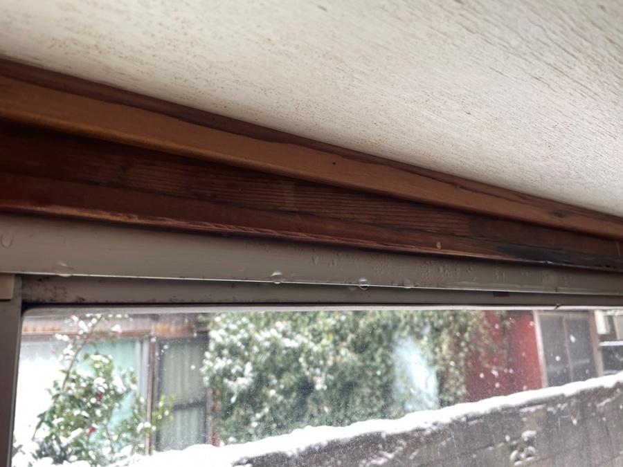 新潟市秋葉区にて出窓から雨漏れが発生し即日現地調査訪問してきました