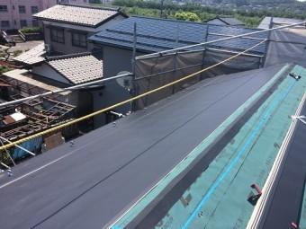 屋根葺き替え工事、ガルバリウム鋼板仕上げ