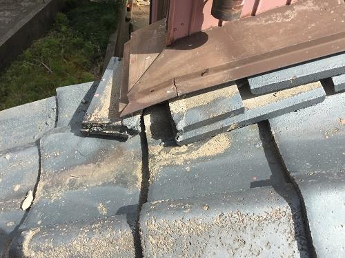 瓦屋根の点検 土居棟瓦ずれ