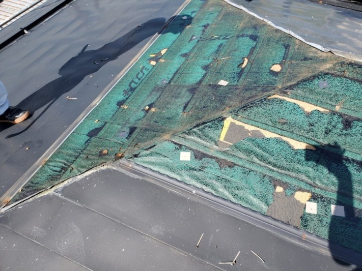 寄棟屋根の葺き替え工事