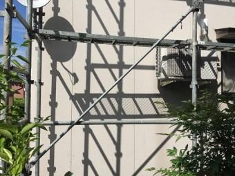 外壁塗装 足場の設置 筋交い