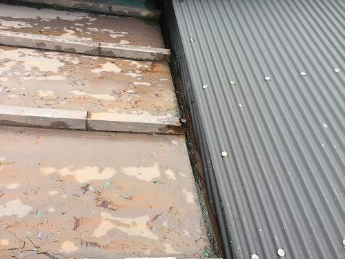 雨樋 屋根がらみ部分