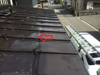 板金縦葺屋根 継ぎ目