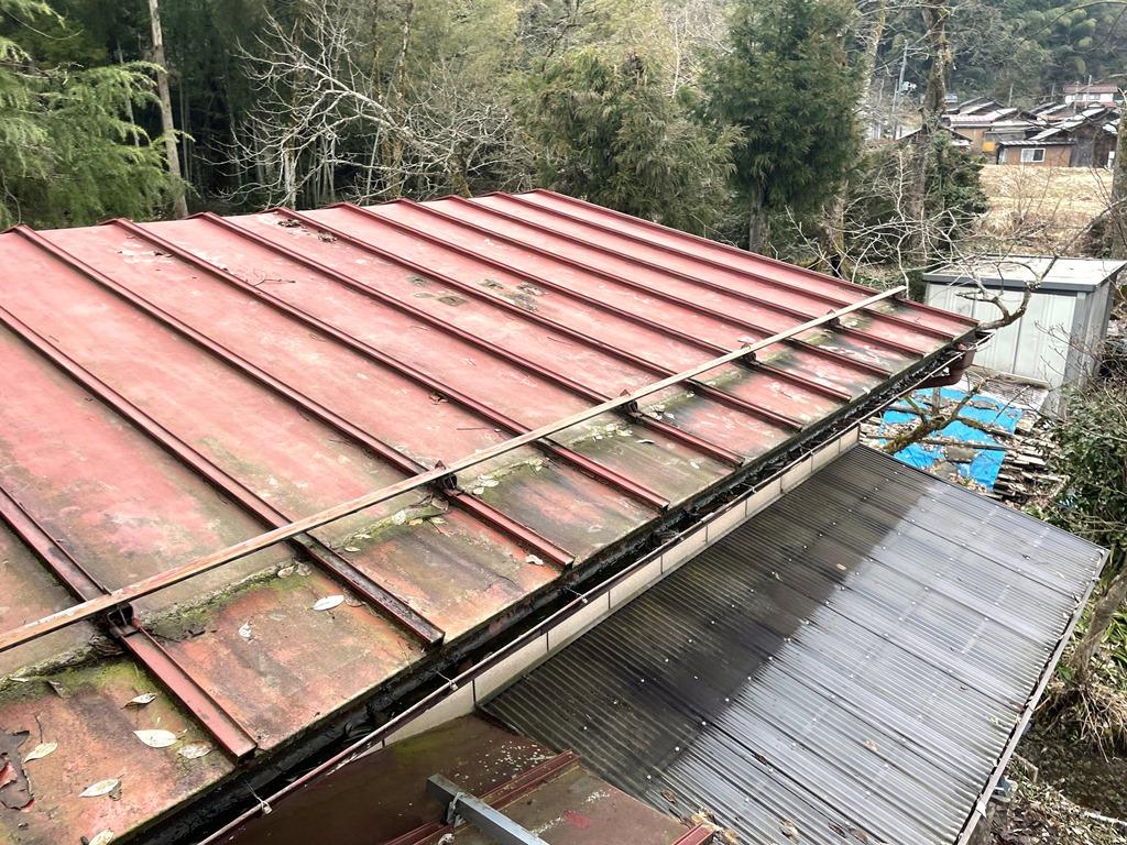 加茂市にて下屋根葺き替え工事の相談を頂きました