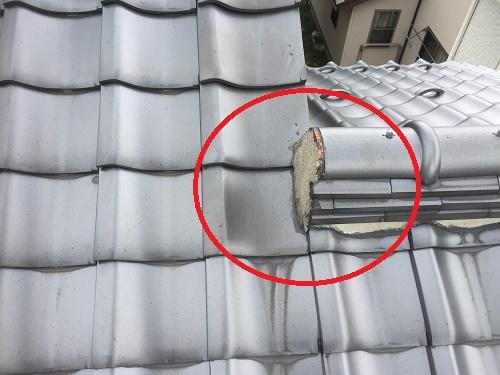 棟違い屋根 本棟