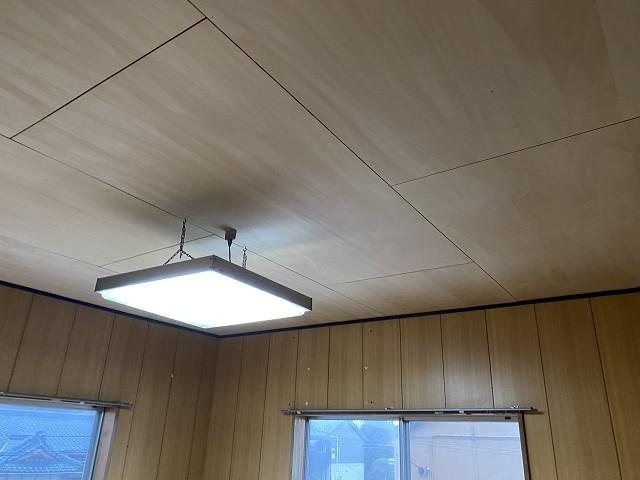 天井上張り工事