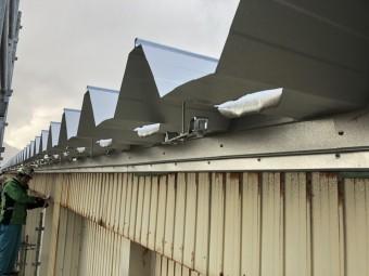社屋の折半屋根修繕工事