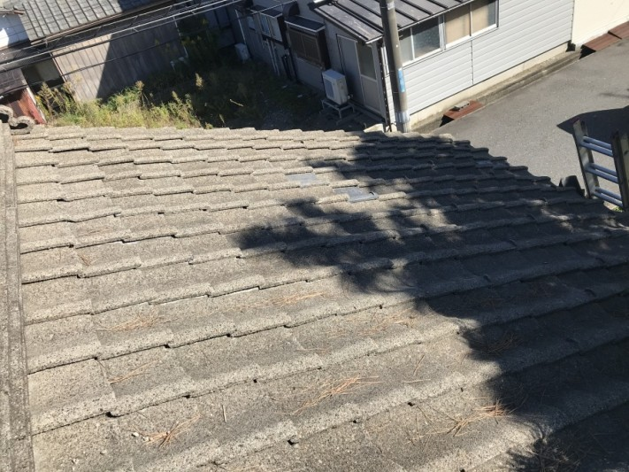 雨漏れ被害によって葺き直し工事事例