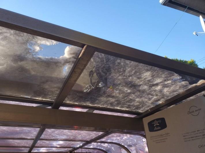 五泉市にてポリカ屋根にヒビ