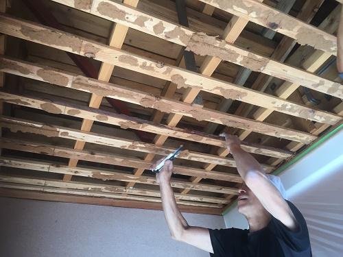 玄関天井 解体