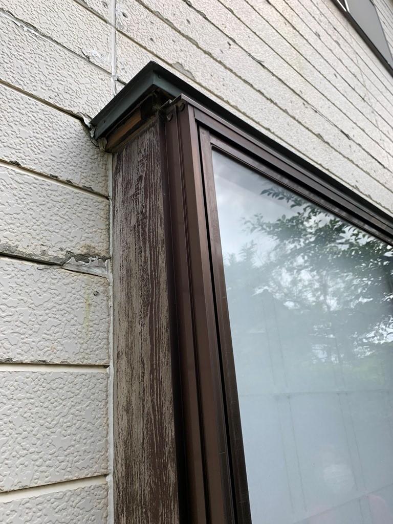 1階窓サッシより雨漏れ発生し現地調査