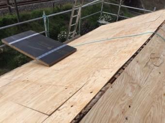 瓦屋根からガルバリウム鋼板に葺き替え工事