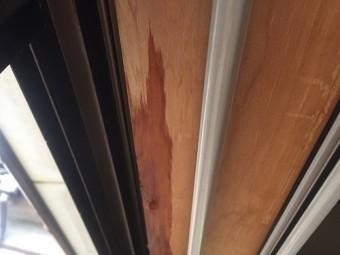 室内 雨漏れ サッシ枠