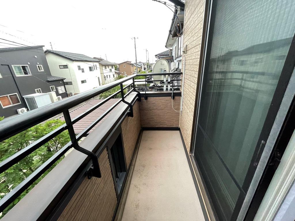 新潟市秋葉区で、5年位前から南風の強い時に雨漏れが発生するというご相談