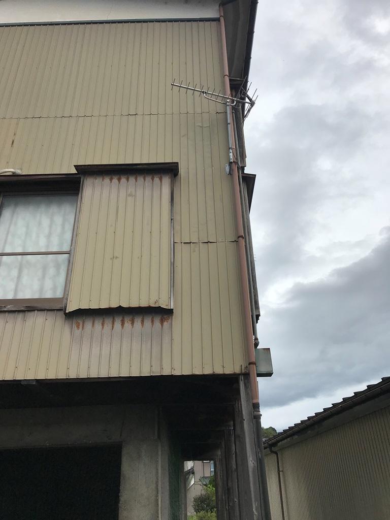 風害で外壁剥がれ修繕