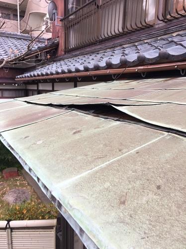 玄関ポーチ屋根 銅板 強風