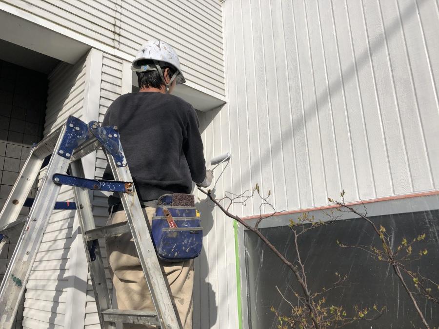 新潟市秋葉区の社屋外壁をキシラデコールで塗装しました