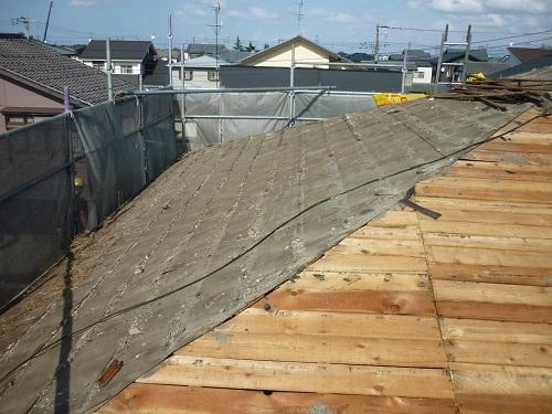 瓦屋根解体工事 2階瓦桟解体 ルーフィング剥ぎ